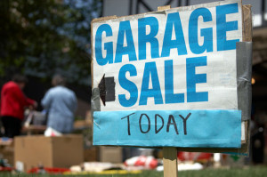 garage-sale-sign-with-shoppers